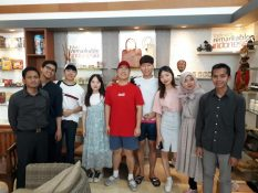 Promoting Indonesia Product with Indonesia and Korean Student by SBS-IN TV